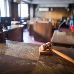 Settling a Personal Injury Case vs. Going to Trial